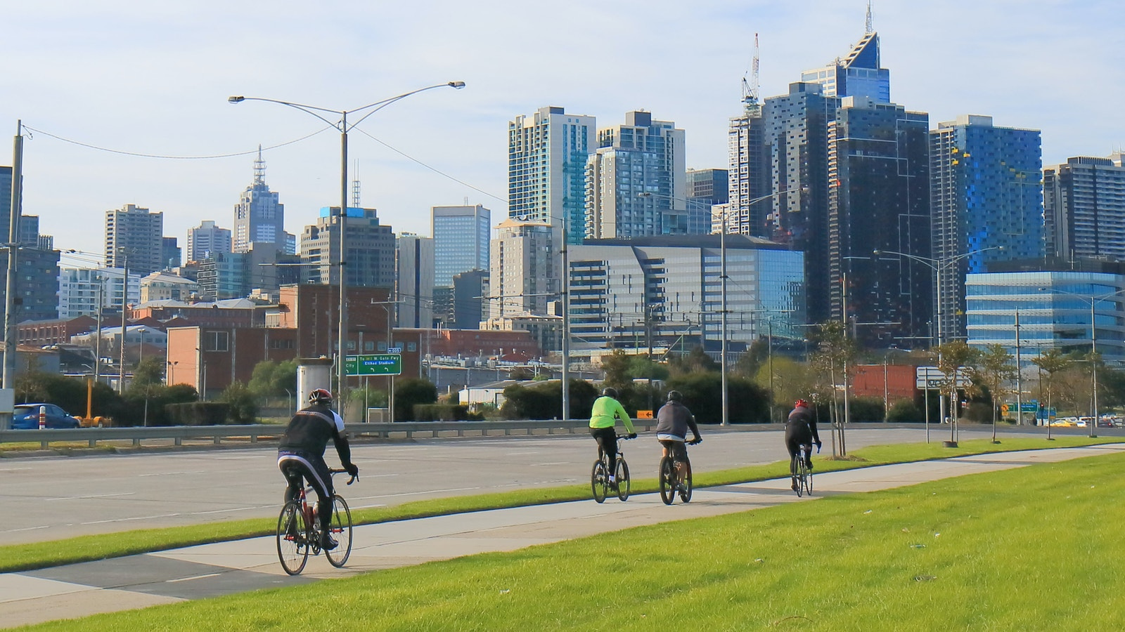 Cyclists Melbourne ridetowork blog resize